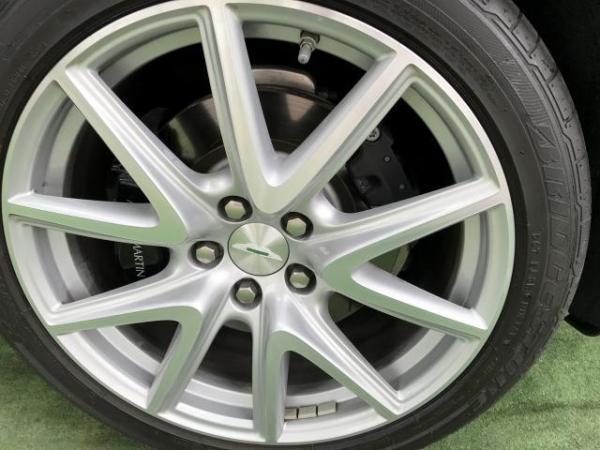Aston Martin Vantage CONVERTIBLE año 2014