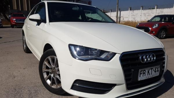Audi A3 1.2 TFSI ATRACTTION AT año 2014
