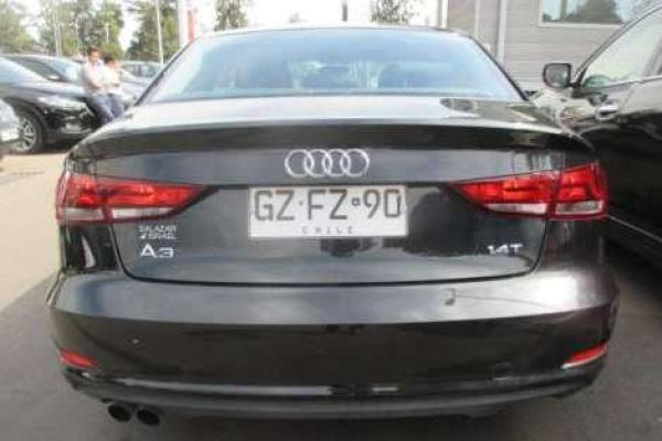 Audi A3 ATTRACTION TFSI 1.4 AU año 2015