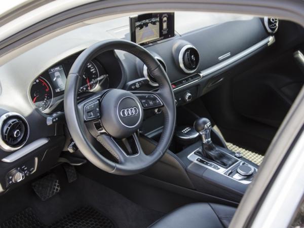 Audi A3  año 2019