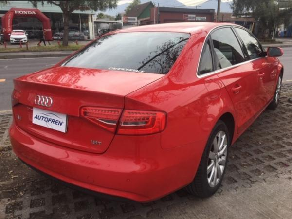 Audi A4 TURBO año 2015