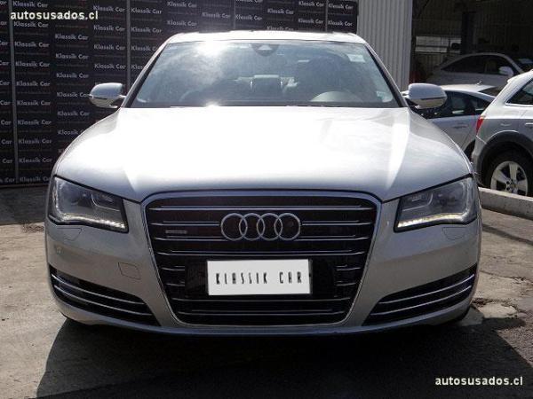 Audi A8 FSI QUATTRO año 2011