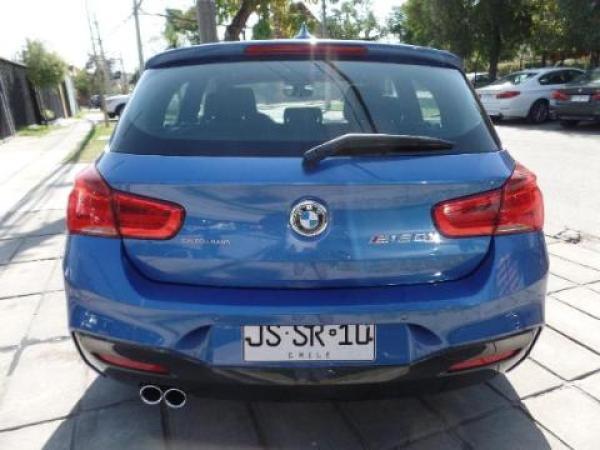 BMW 120  año 2017