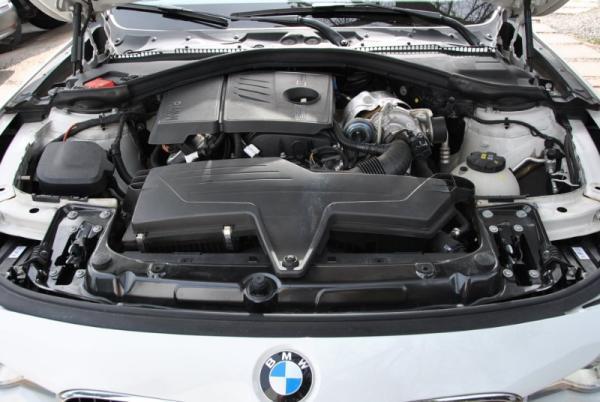 BMW 316i Turbo año 2016