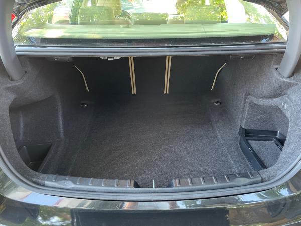 BMW 318i LCD SEDAN año 2018