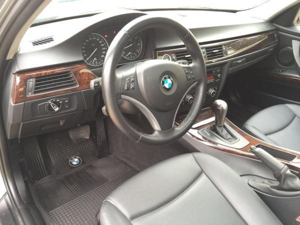BMW 320 2.0 IA año 2010