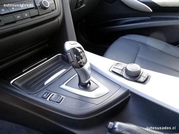 BMW 320  año 2013