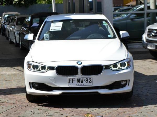 BMW 320 I LUXURY año 2013