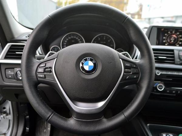 BMW 320  año 2016