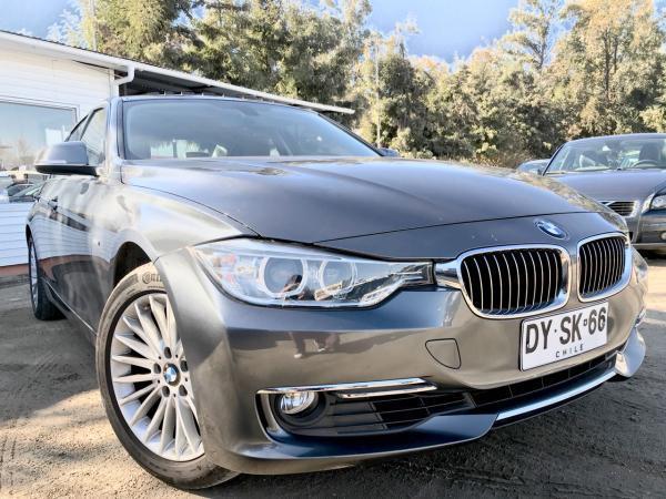 BMW 320I 2.0 LUXURY AT año 2012
