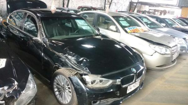 BMW 320I CHOCADA POQUISIMO año 2015