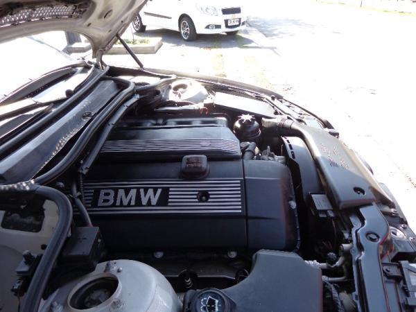 BMW 325i  año 2005