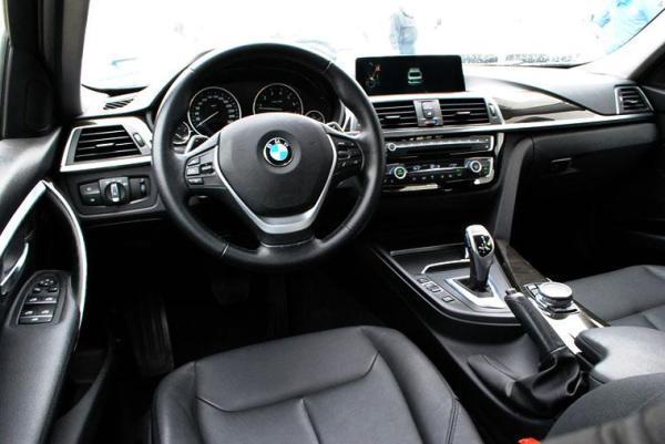 BMW 330 LUXURY LCI 2.0 año 2017