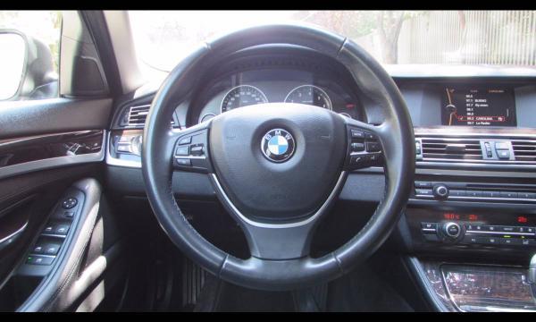 BMW 520 I BUSINESS 2.0 año 2013