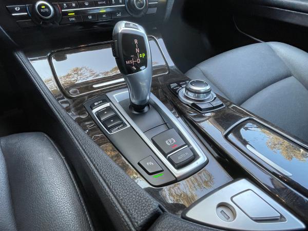 BMW 520 LCI TURBO año 2016
