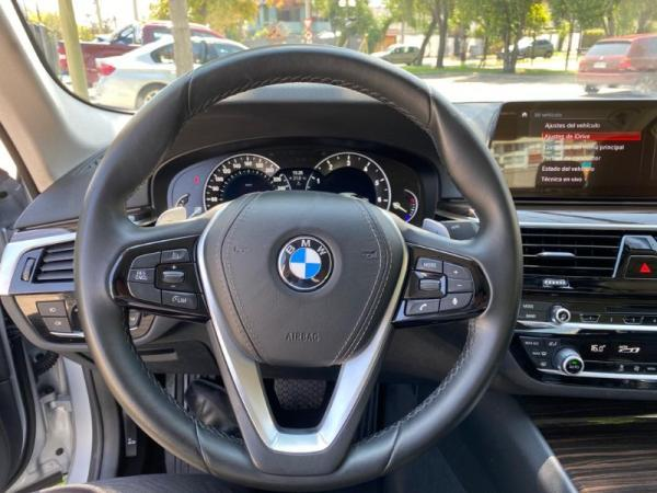 BMW 520i 2.0 AT TURBO año 2019