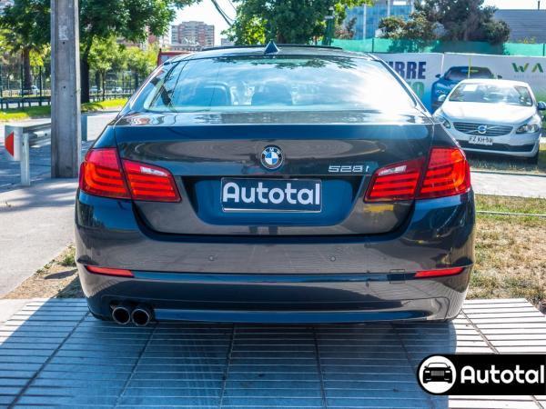 BMW 528 IA año 2011
