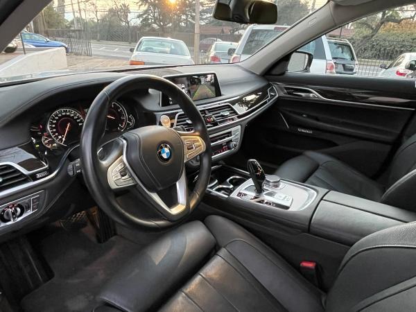 BMW 730 3.0 año 2019
