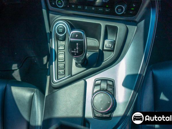 BMW I8  año 2016