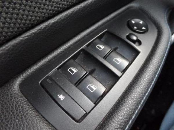 BMW Serie 1  año 2011