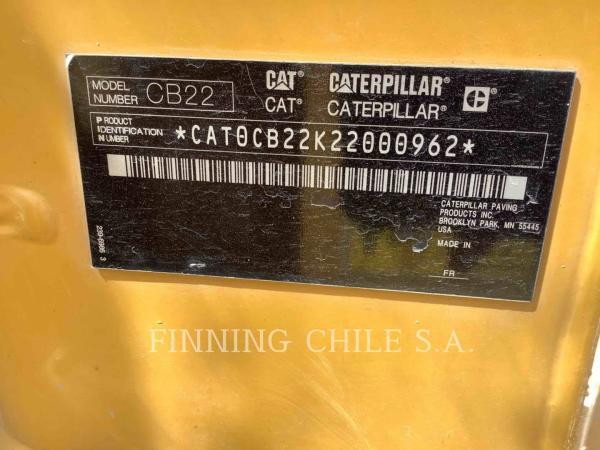 Caterpillar CB22  año 2012