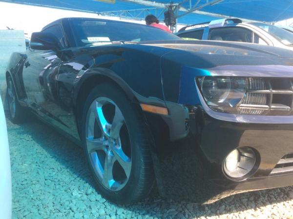 Chevrolet Camaro II año 2013