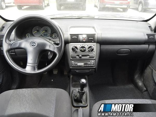 Chevrolet Corsa gl año 2006