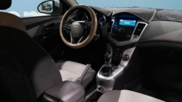 Chevrolet Cruze LS 1.8 año 2012