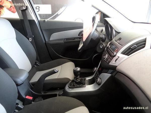 Chevrolet Cruze LS 1.8 año 2014