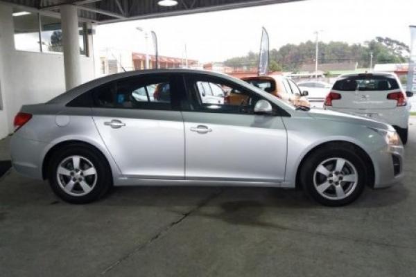 Chevrolet Cruze LS 1.8 año 2015