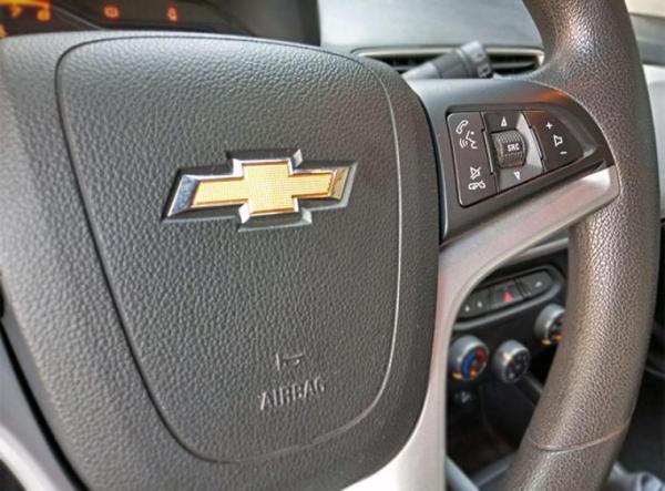 Chevrolet Onix LT año 2017