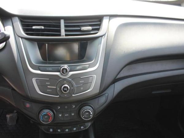 Chevrolet Sail LS 1.4 año 2017