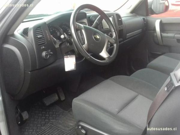 Chevrolet Silverado SILVERADO LT II RC. 5.3 4 año 2013