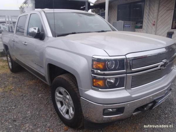 Chevrolet Silverado  año 2014