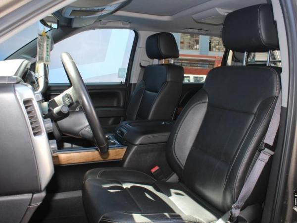 Chevrolet Silverado LTZ 4WD 5.3 AT año 2015