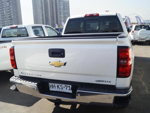 Chevrolet Silverado AT año 2016