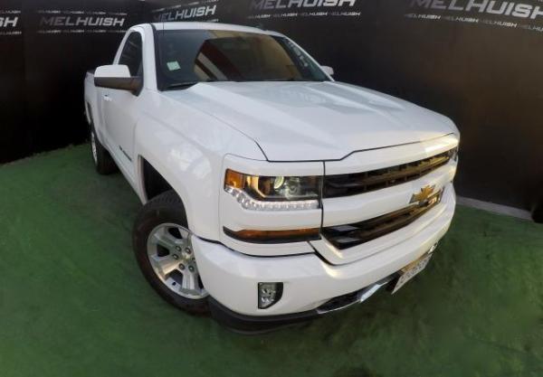Chevrolet Silverado  año 2017