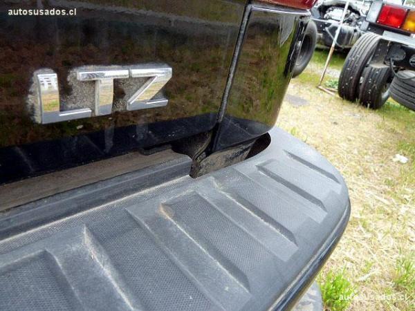 Chevrolet Silverado LTZ 4WD Z71 año 2017