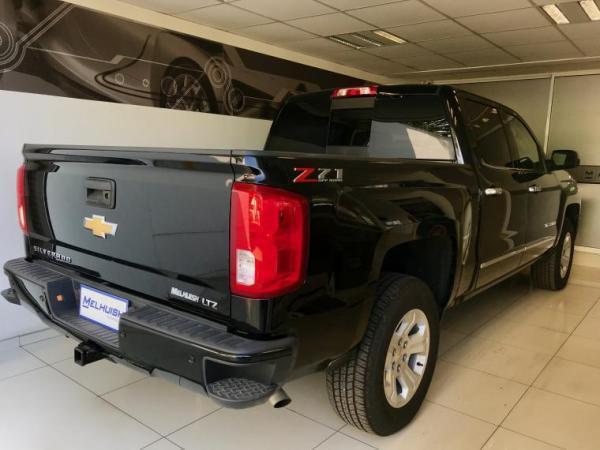 Chevrolet Silverado z71 año 2018