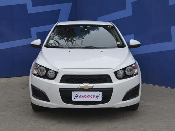 Chevrolet Sonic ls año 2013