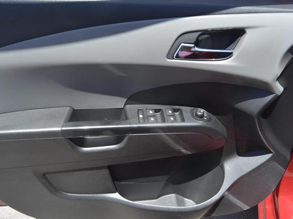 Chevrolet Sonic LT HB AC año 2016