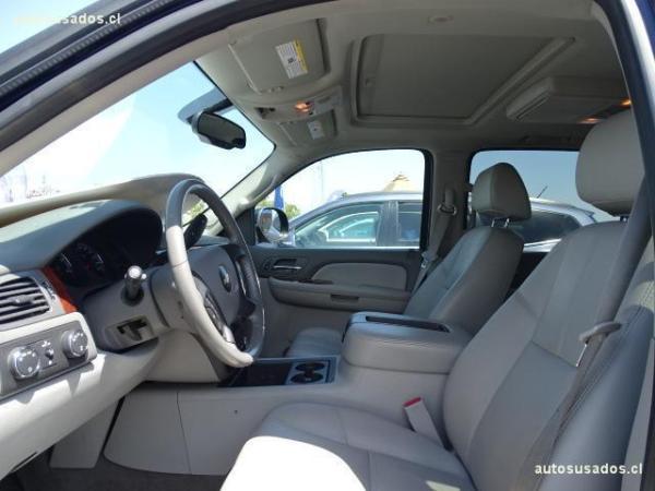 Chevrolet Suburban LT IV 4WD año 2010
