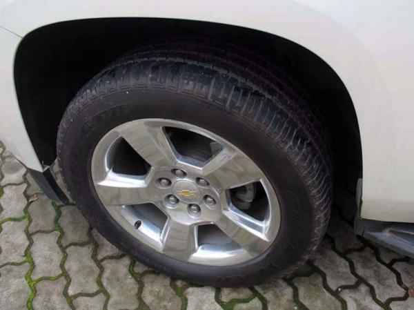 Chevrolet Suburban LT 4WD 5.3 año 2015