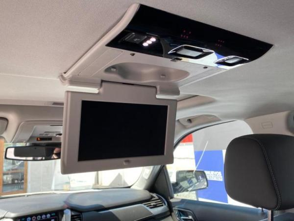 Chevrolet Suburban LT 4W año 2018