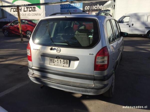 Chevrolet Zafira GL MC 2.0 año 2005