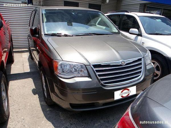 Chrysler Grand Town Country LX año 2011