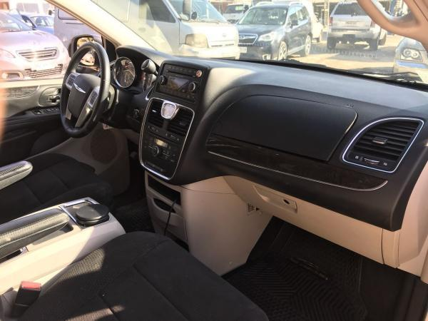 Chrysler Grand Town Country 3.6 TOURING AT año 2013