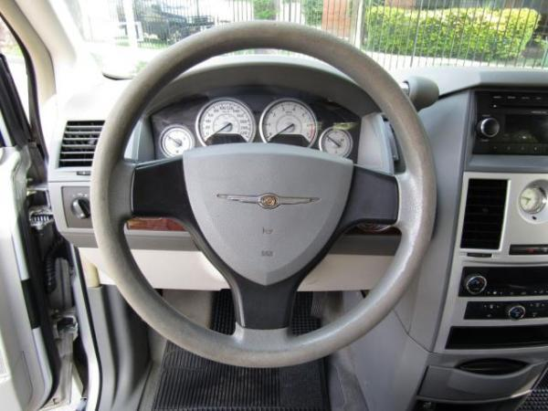 Chrysler Town Country 3.8. 3 , 8 airbags año 2011