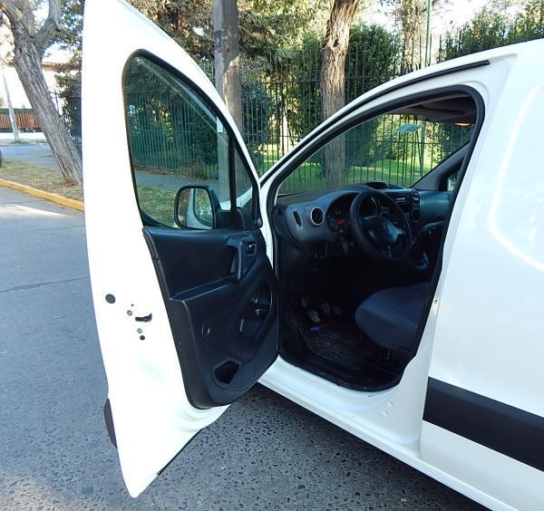 Citroen Berlingo 595 CITROEN BERLINGO HDI año 2014