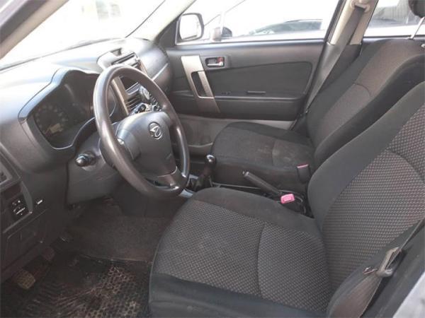 Daihatsu Terios 4X2 XL año 2011